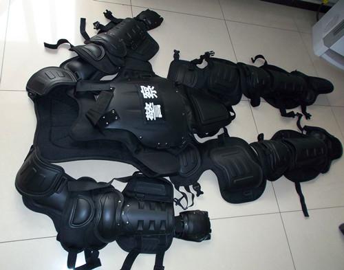 防暴服 防爆服 防暴装备 防暴盔甲