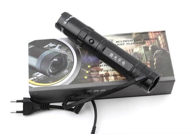 ZD-990三档可调强光手电型电击防暴自卫器