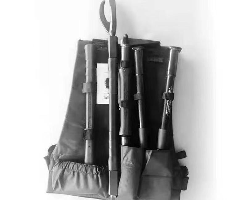 黑鹰破拆工具4件套